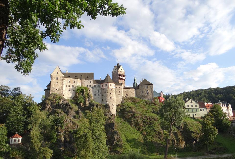 hrad Loket