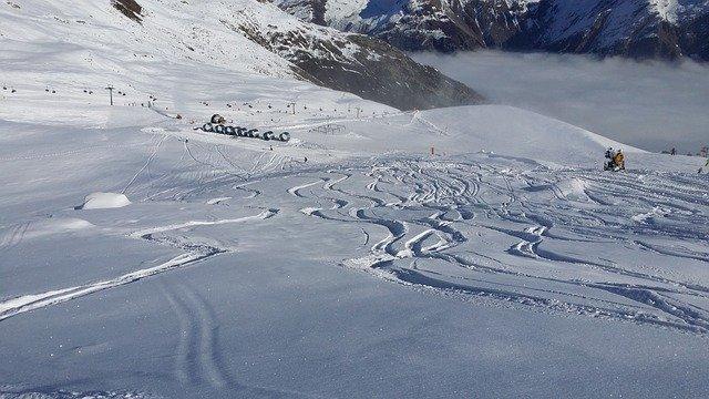 stopy po lyžích